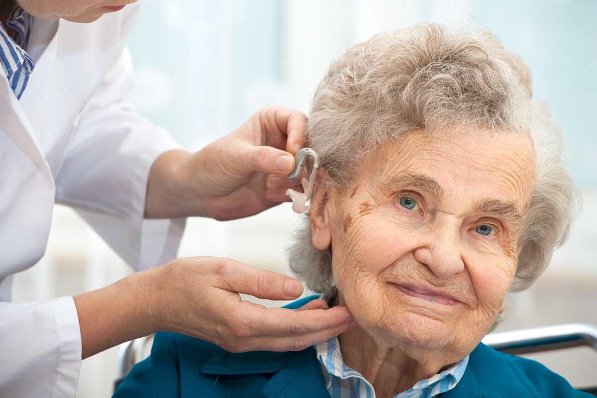 A jó audiológus és hallásakusztikus dicsérete