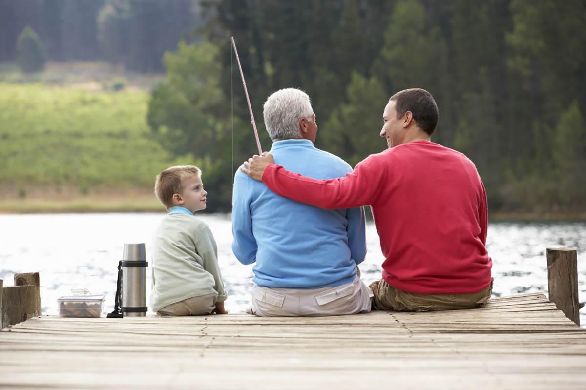 Ha édesapjának gyengül a hallása, legyen türelmes és ismételje meg, amit nem értett.