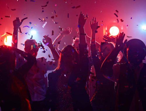 Party-kellék: A hallókészülék