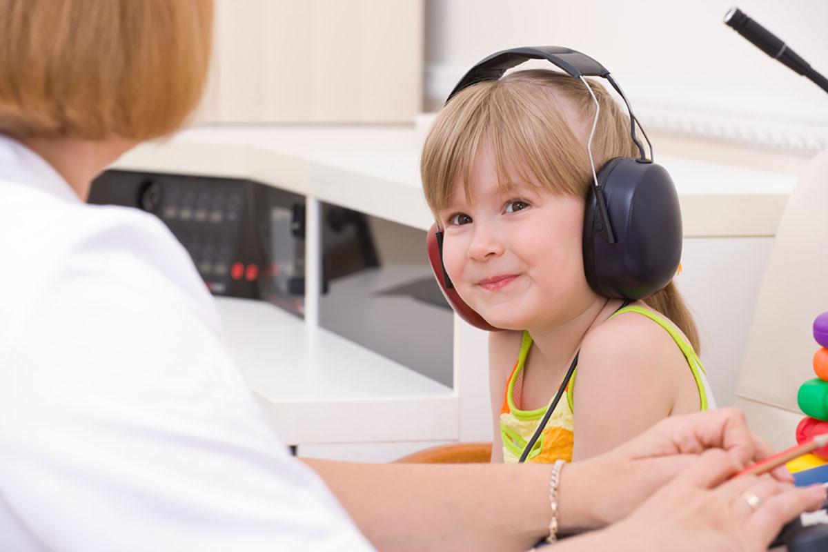 Hogyan mérjük a hallást? Ismerd meg a szubjektív hallásvizsgálatokat!