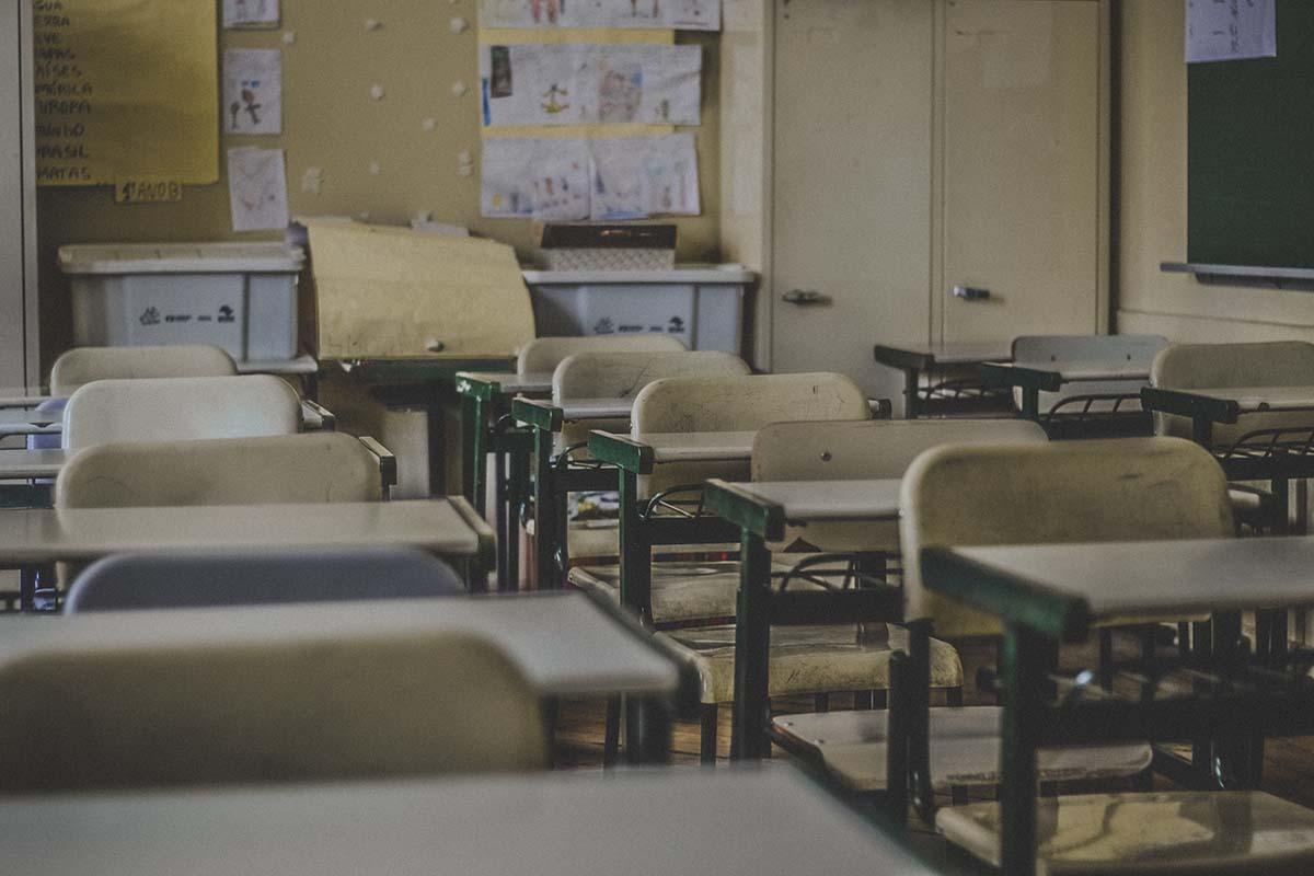 Adó-vevő az iskolában? Egy hallássérült gyermek így használhatja ki!