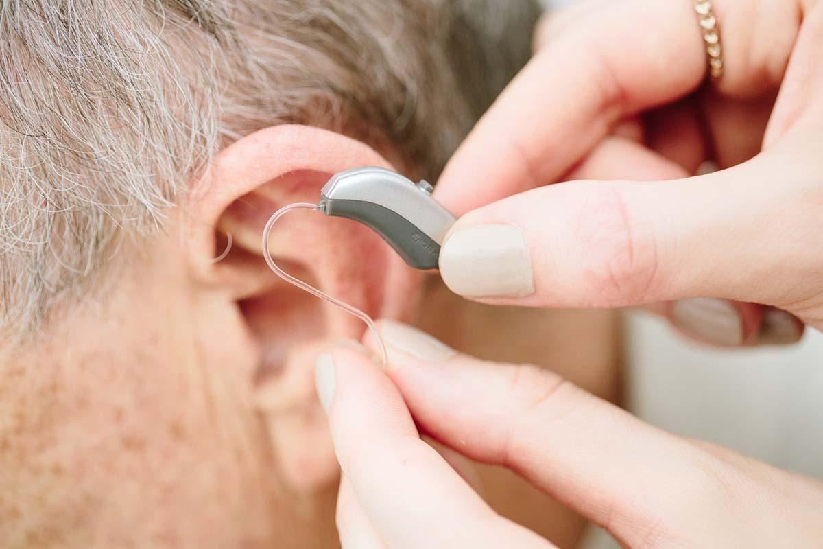 Ezt érdemes tudni a hallókészülékekről